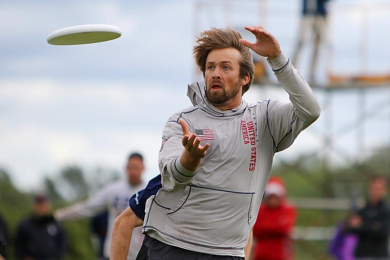 Nicky Spiva (Truck Stop #36) catches. Photo: Alex Fraser -- UltiPhotos.com
