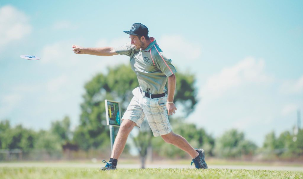 Ricky Wysocki rattled off eight consecutive birdies on his way to taking the lead at the PDGA Professional Disc Golf World Championships in Emporia, Kansas. Photo: Juan Luis Garcia, Overstable Studios